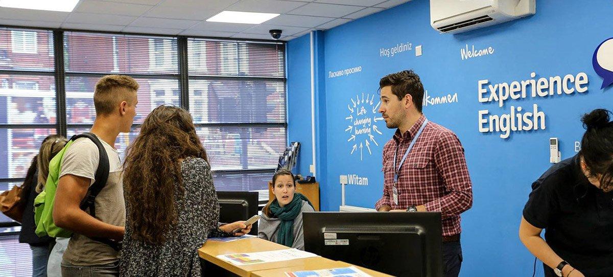 Курсы английского языка в Англии от Experience English - Образовательный центр в Казахстане